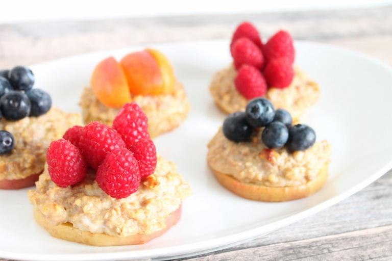 Gebackene Apfelscheiben mit Oatmeal