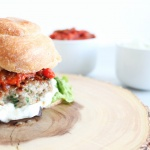 Köfte-Burger mit Aubergine und Minze