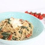 One Pot Pasta mit Spinat und Tomaten – Schnelle Pasta