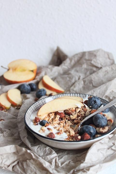 Nuss-Joghurt-Haferflocken-Muesli, schnelles Frühstück, schnelles Frühstücksmüsli