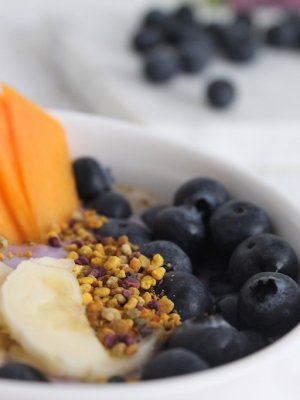 Haferfrühstück mit Sojade-Heidelbeere
