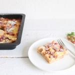 Schneller Stachelbeer-Blechkuchen mit Vanille und Kokos